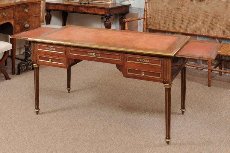 Louis XVI Style French Mahogany Brass Inlaid Bureau Plat, Late 19th Century For Sale 7