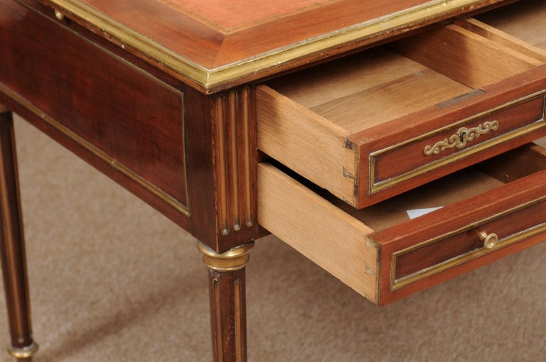 Louis XVI Style French Mahogany Brass Inlaid Bureau Plat, Late 19th Century For Sale 3