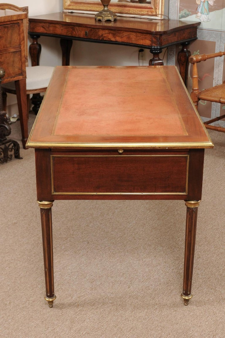 Louis XVI Style French Mahogany Brass Inlaid Bureau Plat, Late 19th Century For Sale 5