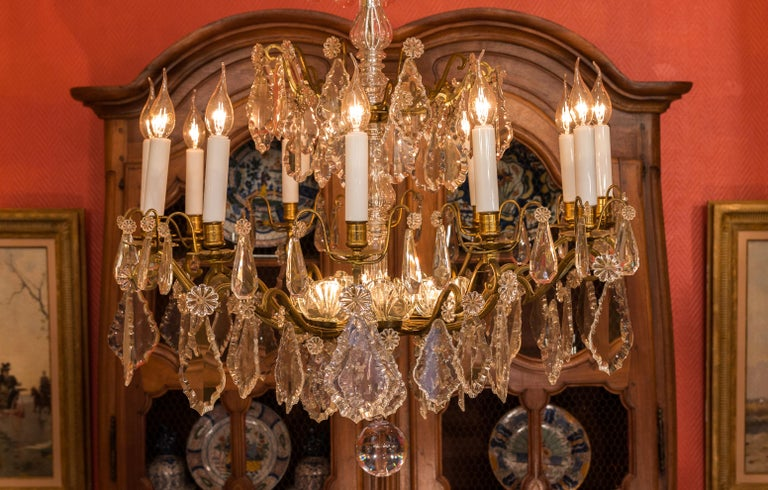 Louis XVI Style French Mid-20th Century, Bronze & Crystal Chandelier, circa 1950 In Good Condition For Sale In Saint Ouen, FR