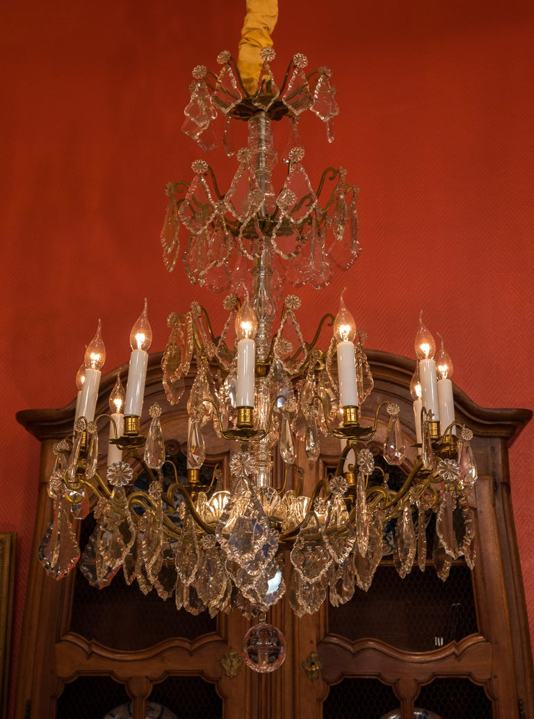 Louis XVI Style French Mid-20th Century, Bronze & Crystal Chandelier, circa 1950 For Sale 5