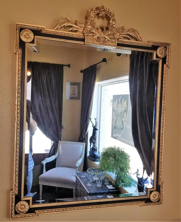 Louis XVI Style Giltwood and Ebony Beveled Glass Mirror In Excellent Condition For Sale In Dallas, TX