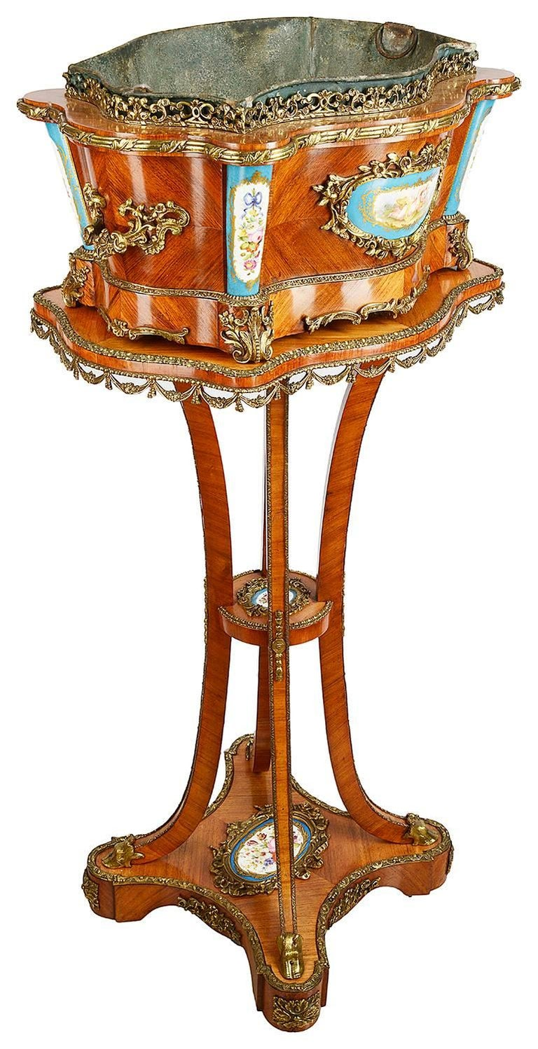 Louis XVI Style Jardinere In Excellent Condition For Sale In Brighton, Sussex