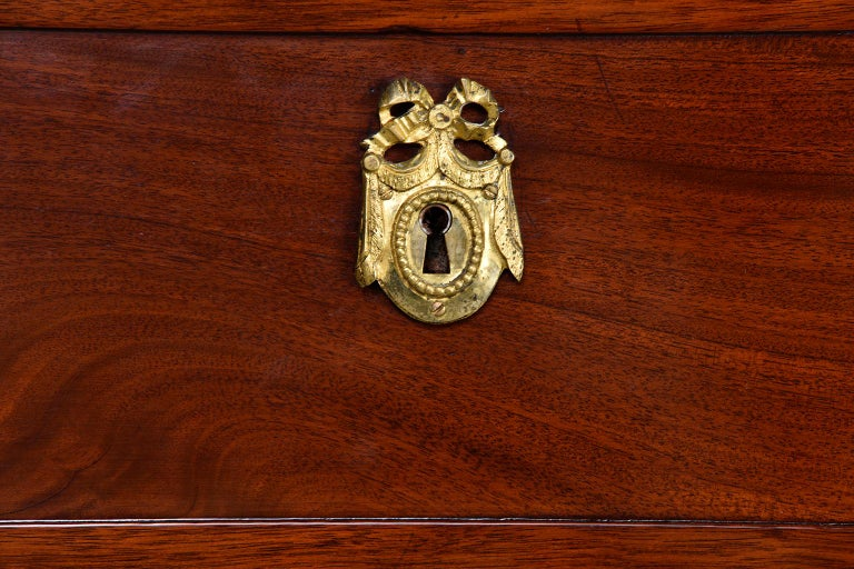 Louis XVI Style Mahogany Semanier For Sale 5