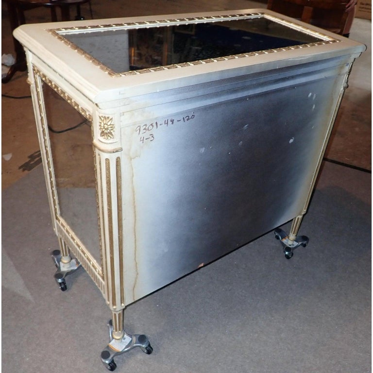 Louis XVI Style Mirrored Gilt and White Painted Chest of Drawers For Sale 6