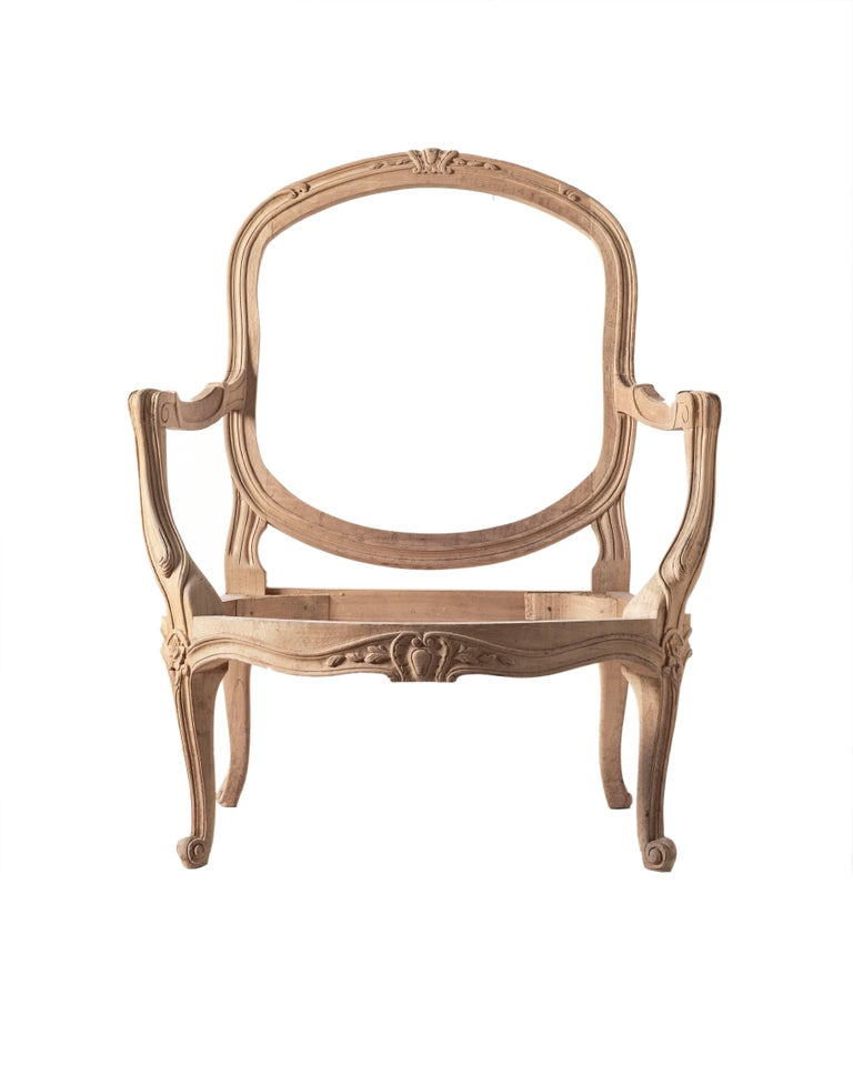 Louis XVI style open armchair hand-carved from Italy Size: H 38
