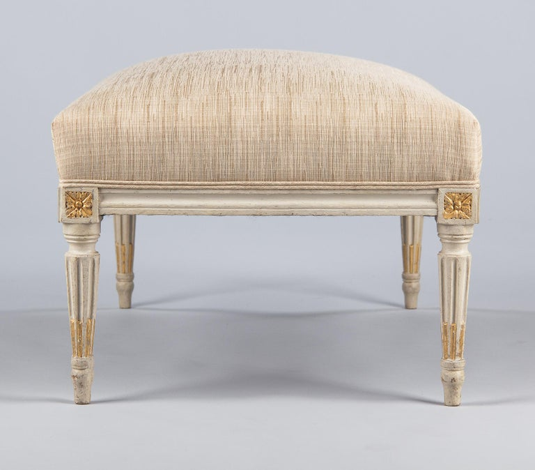 Louis XVI Style Upholstered Painted Ottoman, France, Early 1900s For Sale 9