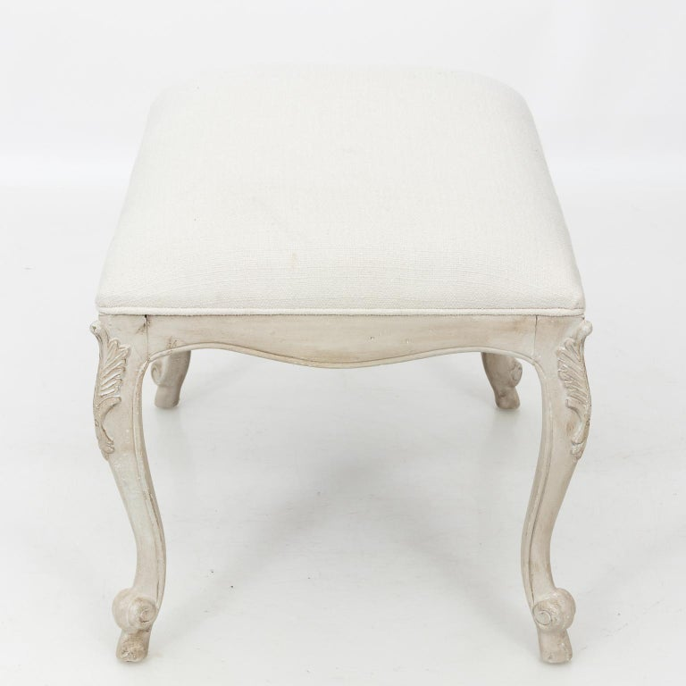 Louis XVI Style White Painted Upholstered Bench, circa 1950 For Sale 3