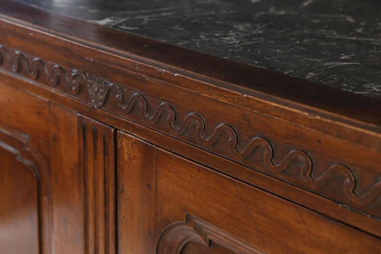 Louis XVI Walnut Buffet In Good Condition For Sale In Houston, TX