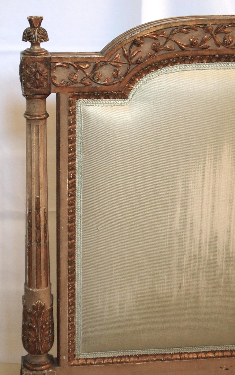 Louis XVl Style Parcel-Gilt and Painted Day Bed For Sale 8