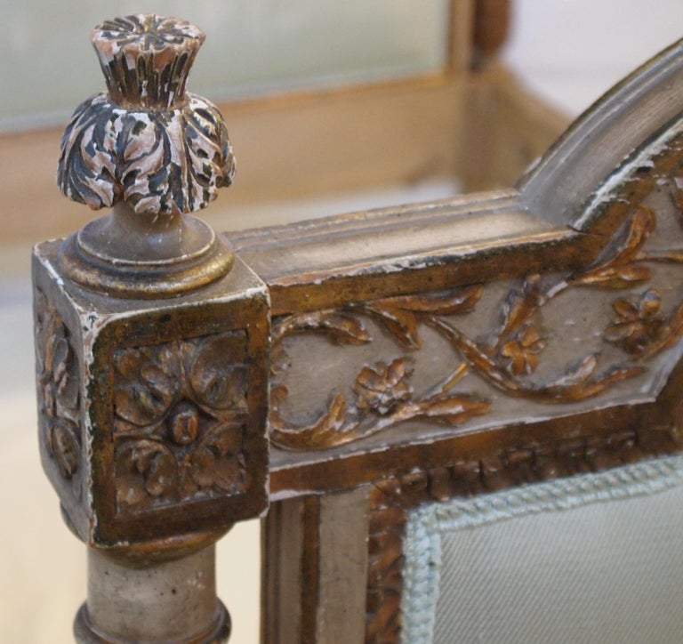 Louis XVI Louis XVl Style Parcel-Gilt and Painted Day Bed For Sale
