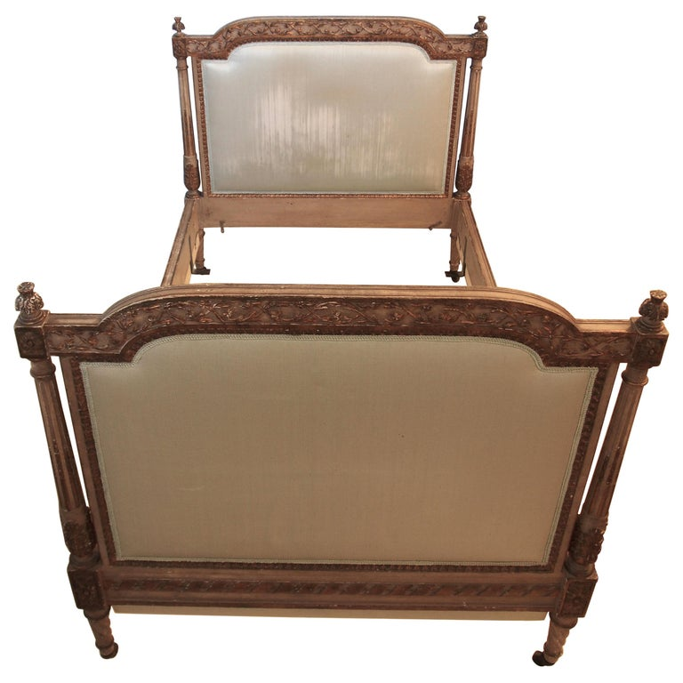 Louis XVl Style Parcel-Gilt and Painted Day Bed For Sale