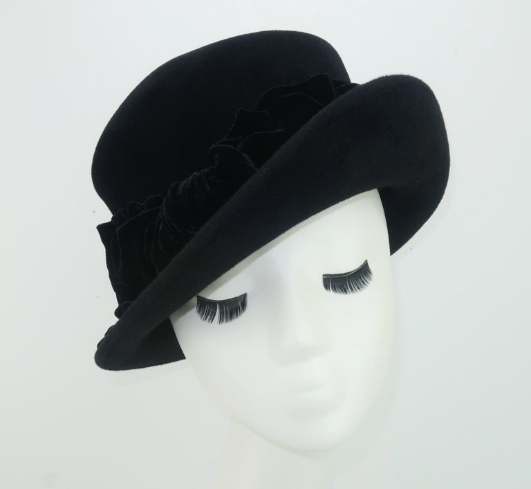 Louise Green Black Wool Felt & Velvet Vintage Inspired Hat In Good Condition For Sale In Atlanta, GA