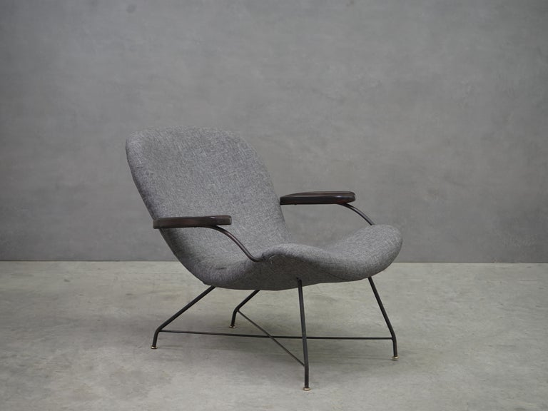Mid-Century Modern Lounge Armchair by Carlo Hauner and Martin Eisler, Brazilian Midcentury Design For Sale