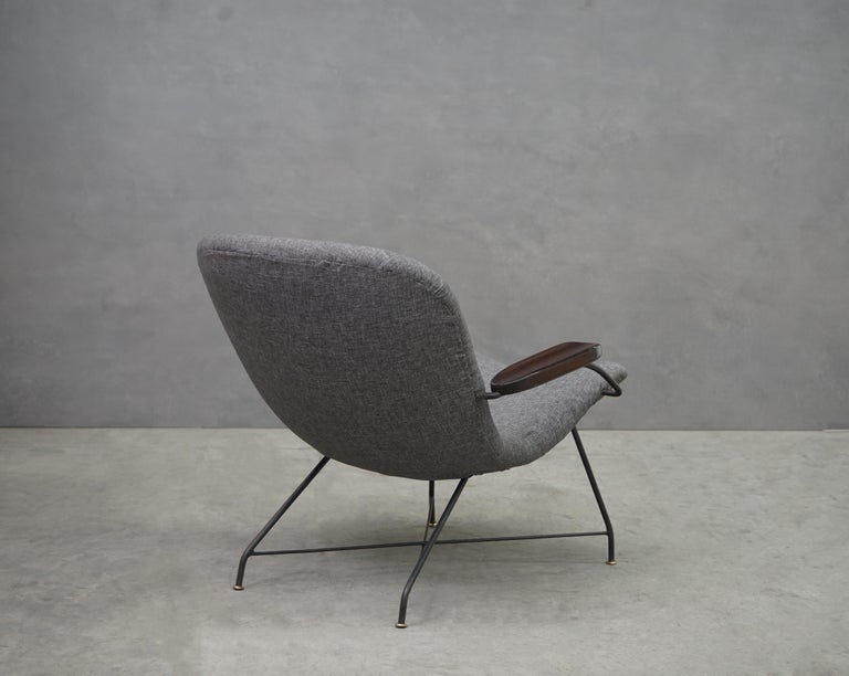 Mid-20th Century Lounge Armchair by Carlo Hauner and Martin Eisler, Brazilian Midcentury Design For Sale