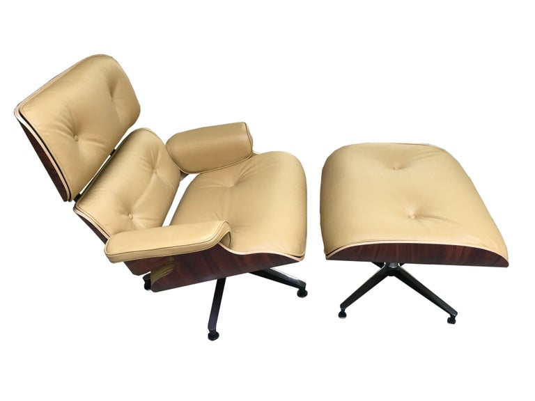 Contemporary Lounge Chair and Ottoman Charles Eames For Sale