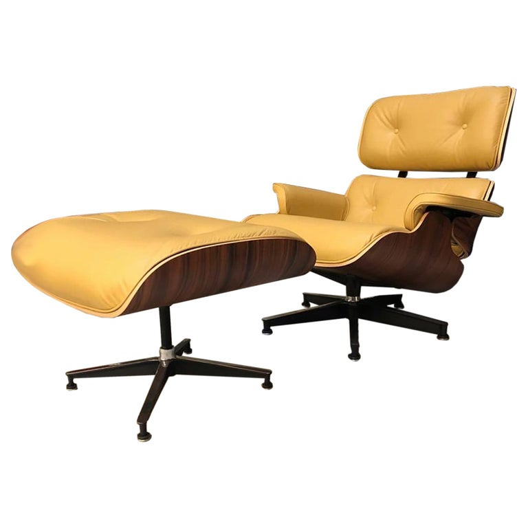 Lounge Chair and Ottoman Charles Eames For Sale