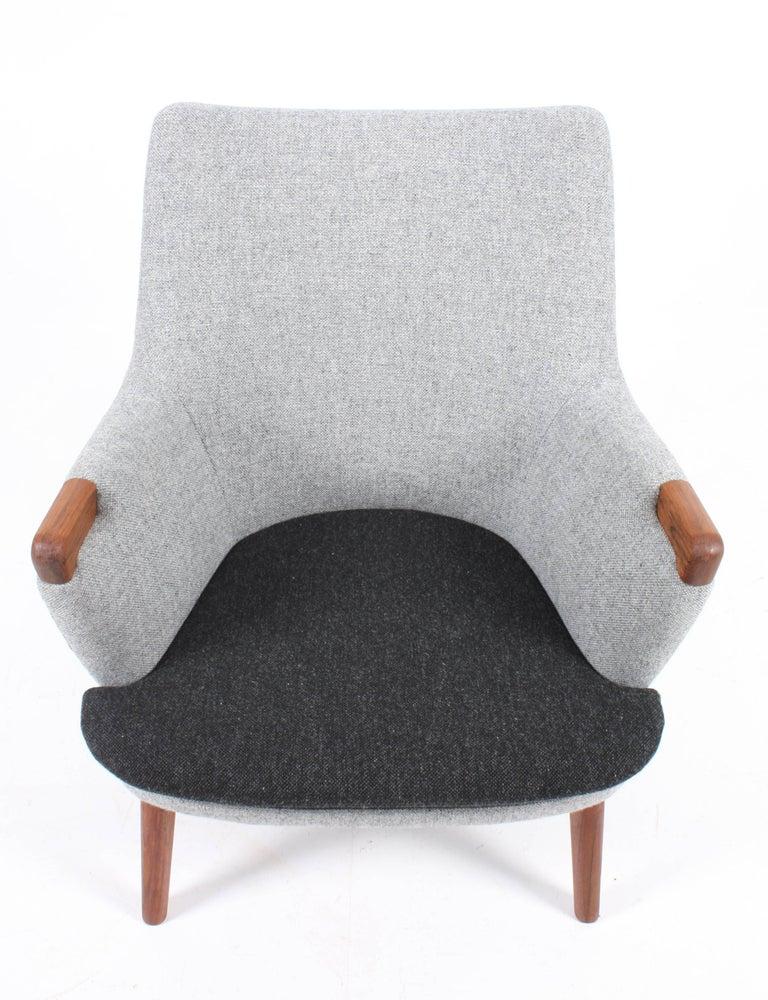 Mini bear lounge chair in teak and new fabric by Hallingdal designed by Hans J. Wegner for Anker Pedersen (AP Stolen) in 1958. Made in Denmark.