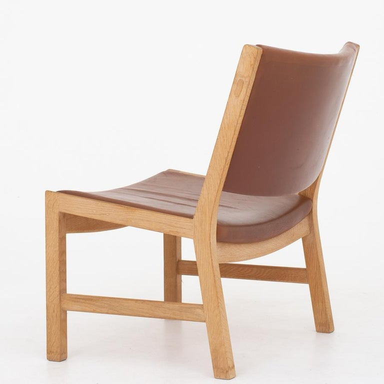 Scandinavian Modern Lounge Chair by Hans J. Wegner For Sale