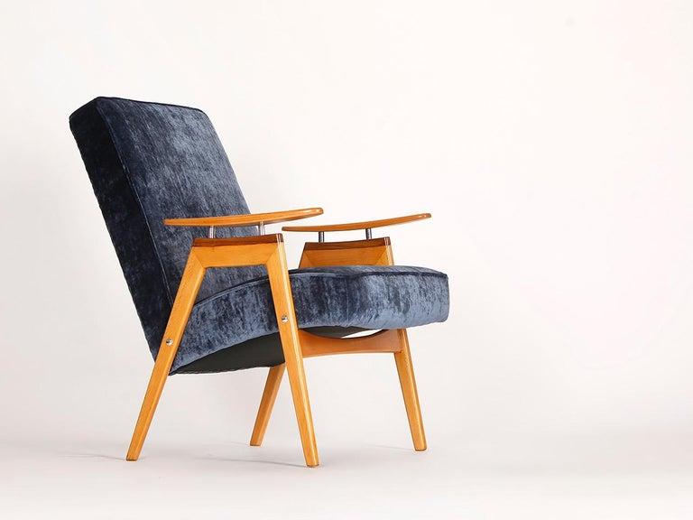 Mid-Century Modern Lounge Chair by Jaroslav Smidek for Jitona, 1960s For Sale