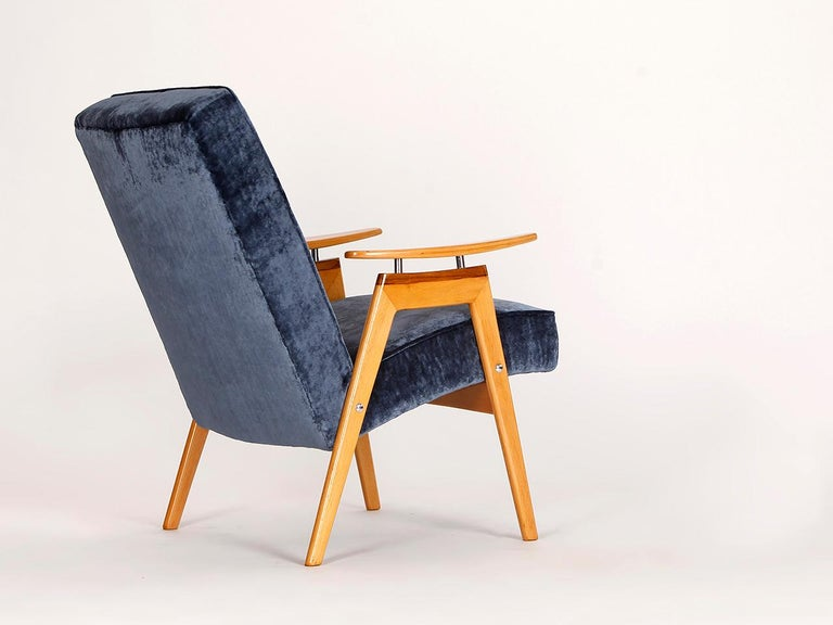 Lounge Chair by Jaroslav Smidek for Jitona, 1960s In Excellent Condition For Sale In Wien, AT