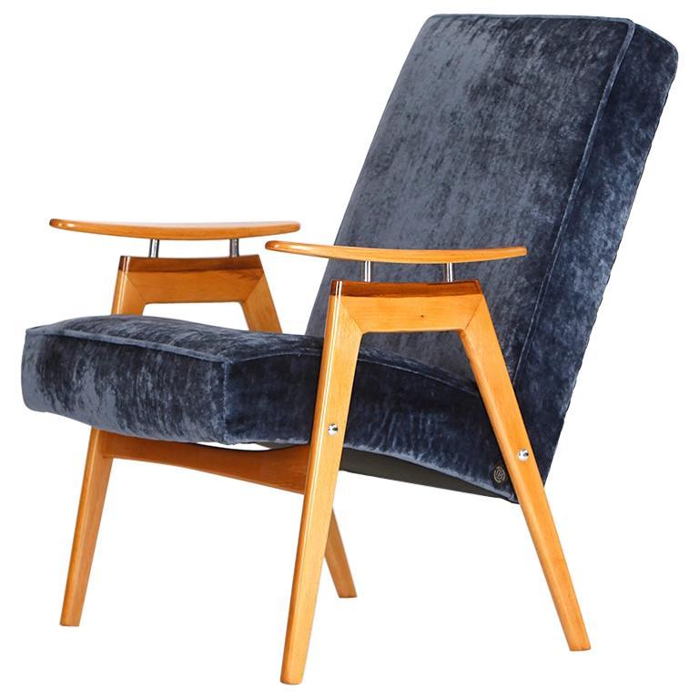 Lounge Chair by Jaroslav Smidek for Jitona, 1960s For Sale