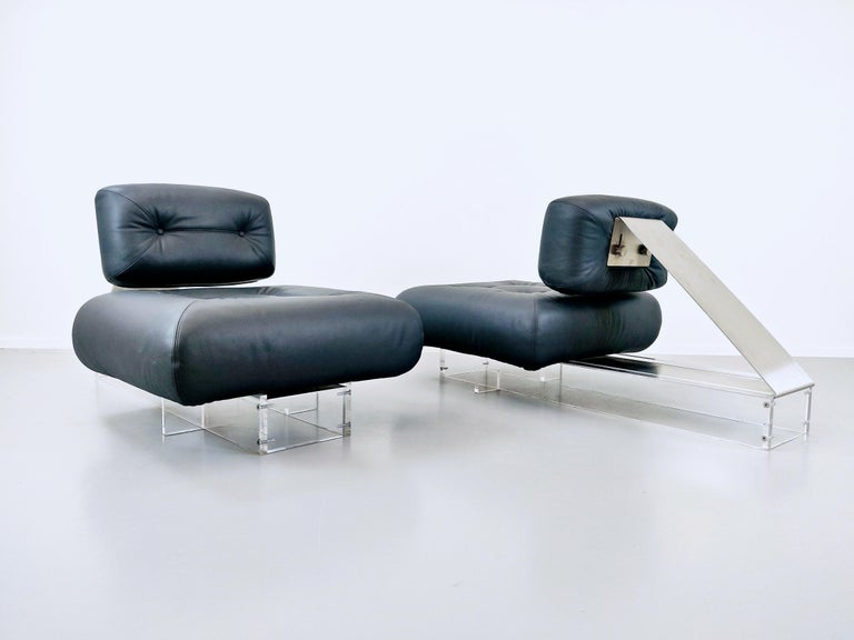 Late 20th Century Lounge Chair by Oscar Niemeyer in Plexiglass, Steel and Black Leather For Sale