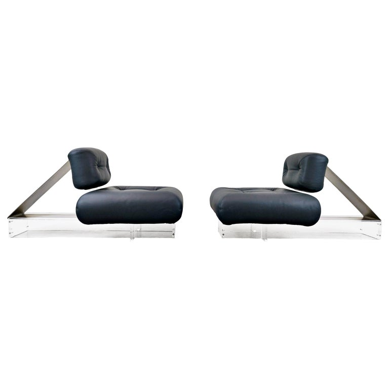 Lounge Chair by Oscar Niemeyer in Plexiglass, Steel and Black Leather For Sale
