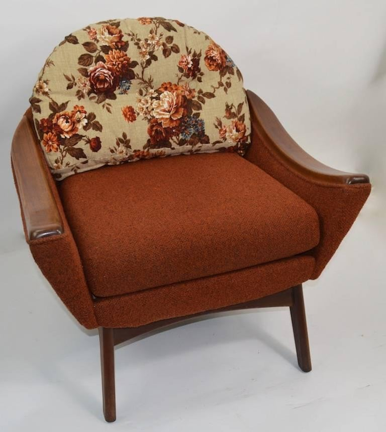 Lounge chair designed by Adrian Pearsall for Craft Associates. This chair is referred to as the Hers chair, sold originally in combination with larger His, which will be listing as well. Pictured with and without the original back rest cushion in