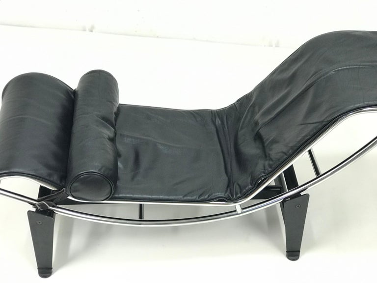 Italian Lounge Chair LC4 by Le Corbusier,