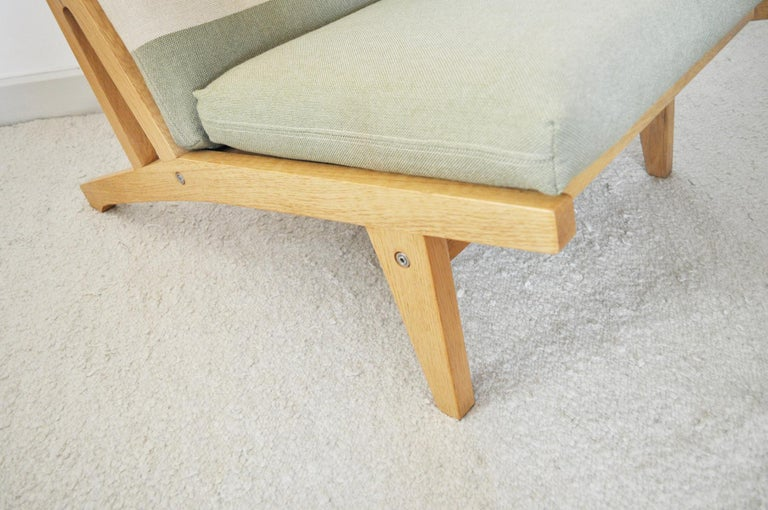 Lounge Chair Made of Oak Designed in 1969 by Hans J. Wegner, Produced by GETAMA For Sale 1