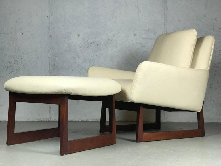 Lounge Chair and Ottoman Designed by Jens Risom For Sale 3