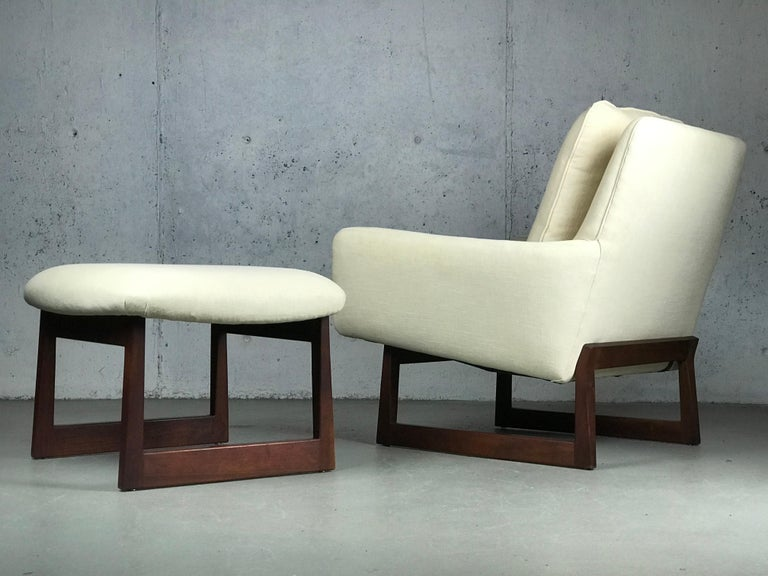 Lounge Chair and Ottoman Designed by Jens Risom For Sale 4