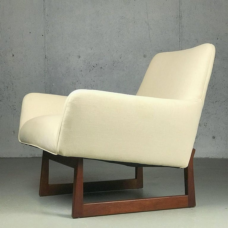 Lounge Chair and Ottoman Designed by Jens Risom In Good Condition For Sale In St.Petersburg, FL