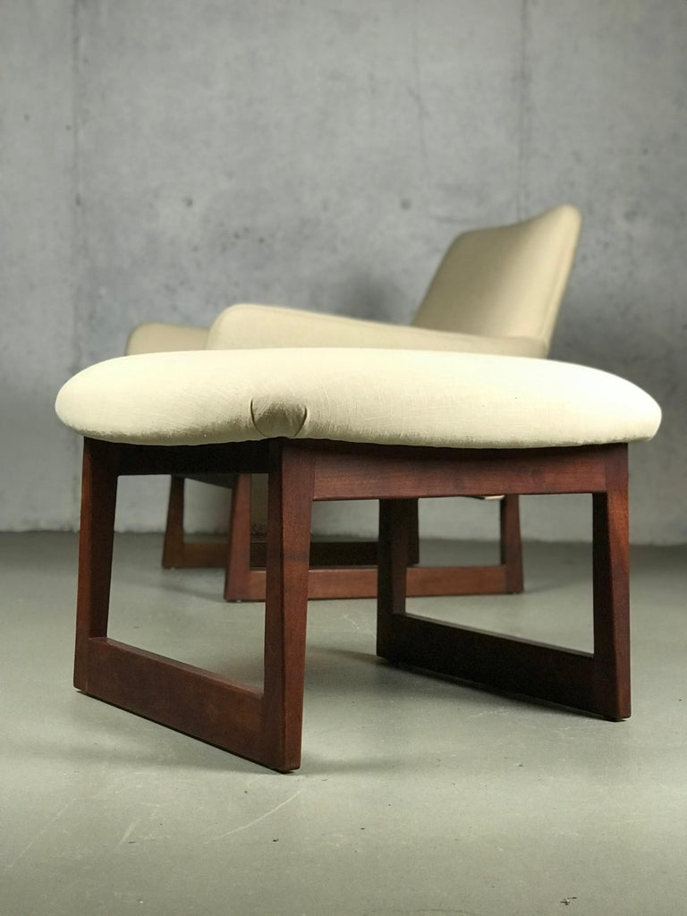 Lounge Chair and Ottoman Designed by Jens Risom For Sale 2