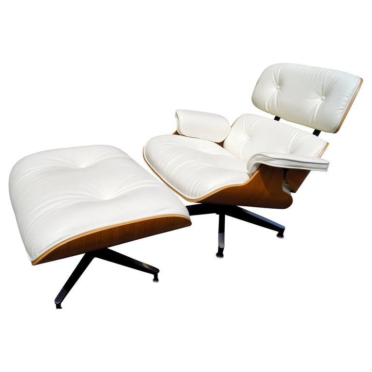 Lounge Chair & Ottoman, Model 670/671, by Charles & Ray Eames for Herman Miller For Sale