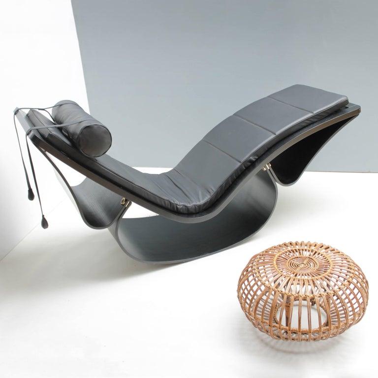 Lounge Chair 'Rio' by Oscar Niemeyer for Fasem International For Sale 10
