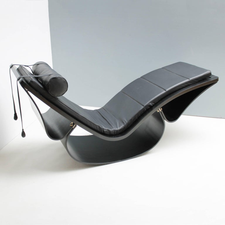 Mid-Century Modern Lounge Chair 'Rio' by Oscar Niemeyer for Fasem International For Sale