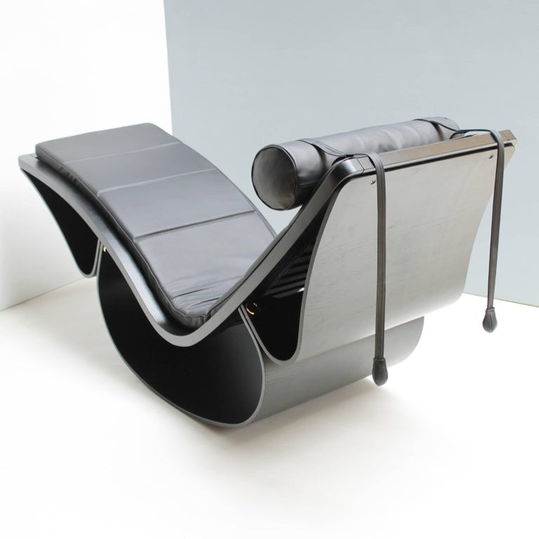 Late 20th Century Lounge Chair 'Rio' by Oscar Niemeyer for Fasem International For Sale