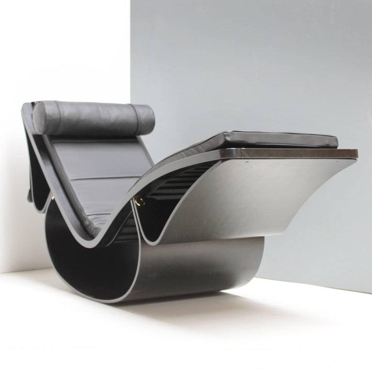 Leather Lounge Chair 'Rio' by Oscar Niemeyer for Fasem International For Sale