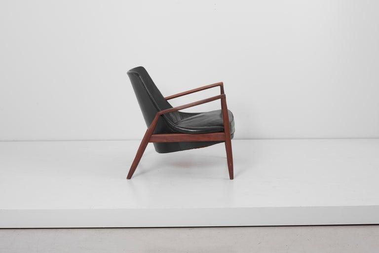 Scandinavian Modern Lounge Chair Seal 'Sälen', Model 503-799 by Ib Kofod-Larsen for OPE Olof Persson For Sale
