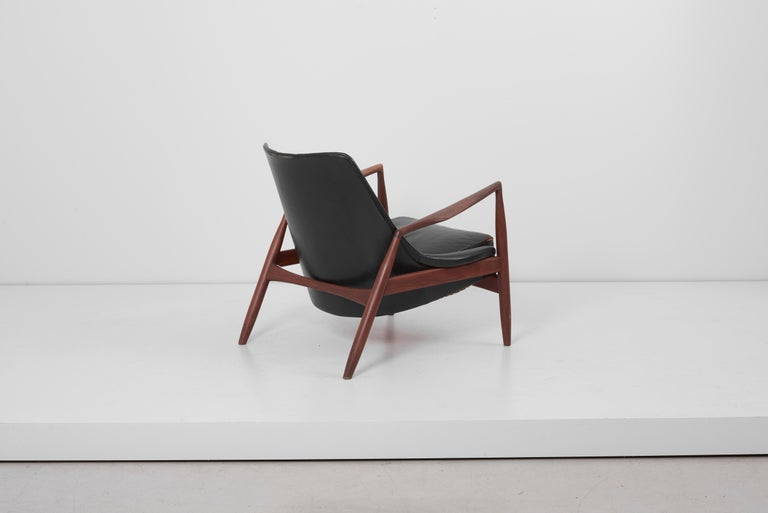 Swedish Lounge Chair Seal 'Sälen', Model 503-799 by Ib Kofod-Larsen for OPE Olof Persson For Sale