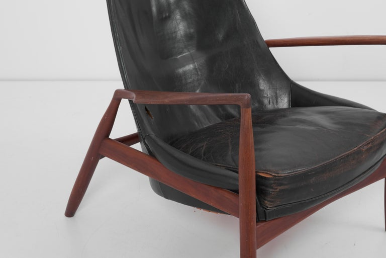 Leather Lounge Chair Seal 'Sälen', Model 503-799 by Ib Kofod-Larsen for OPE Olof Persson For Sale