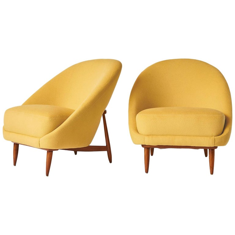 Lounge Chairs by Theo Ruth for Artifort For Sale