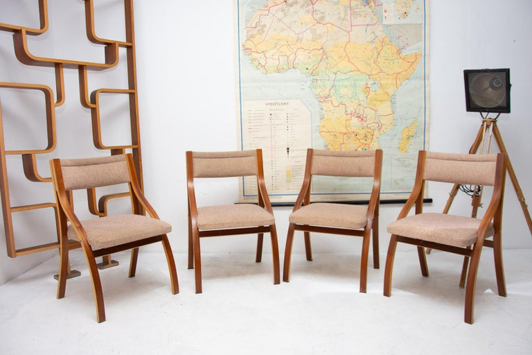 Lounge Mahogany Chairs by Ludvík Volák for Dřevopodnik Holešov, 1970s, Set of 4 In Good Condition For Sale In Prague 8, CZ