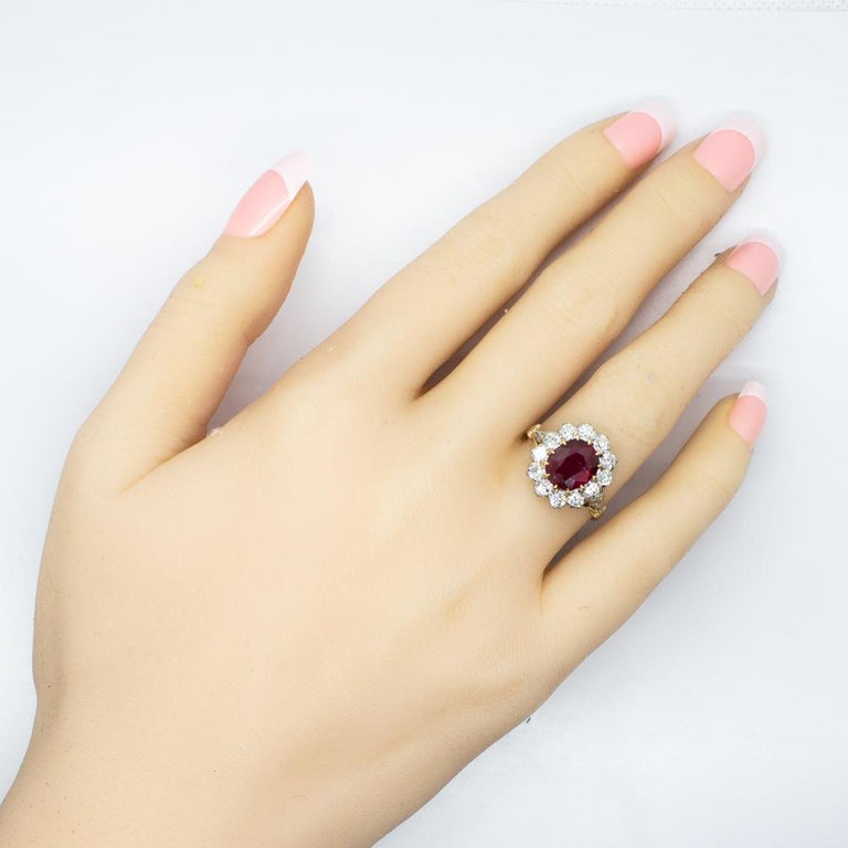 Lovely 18 Karat Gold GIA Certified Ruby and Diamonds Halo Ring For Sale 1