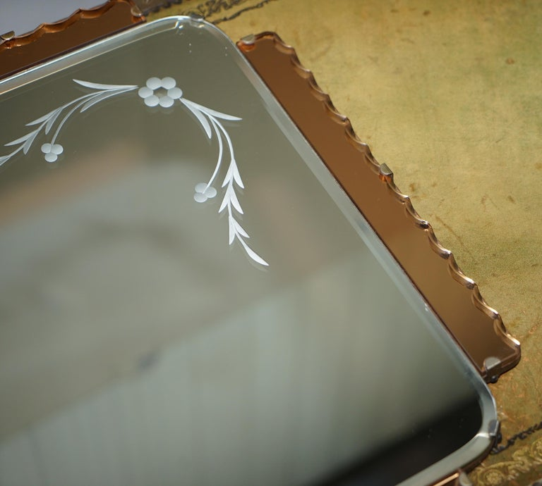 Lovely 1930s Peach French Art Deco Venetian Etched and Engraved Bevelled Mirror For Sale 1