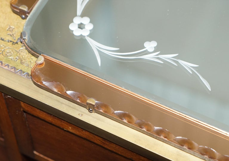 Lovely 1930s Peach French Art Deco Venetian Etched and Engraved Bevelled Mirror For Sale 3