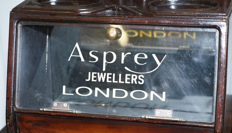 Lovely 1940s Counter Top Asprey London Jewellers Haberdashery Display Case In Fair Condition For Sale In London, GB
