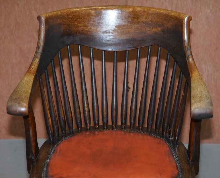 Lovely Antique English Edwardian Ralph Johnson Oak Captains Office Desk Armchair In Good Condition For Sale In London, GB